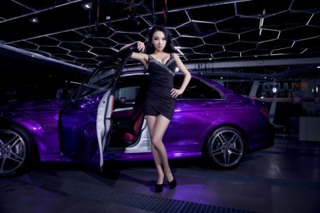 chinese-babe-benz-c63-8
