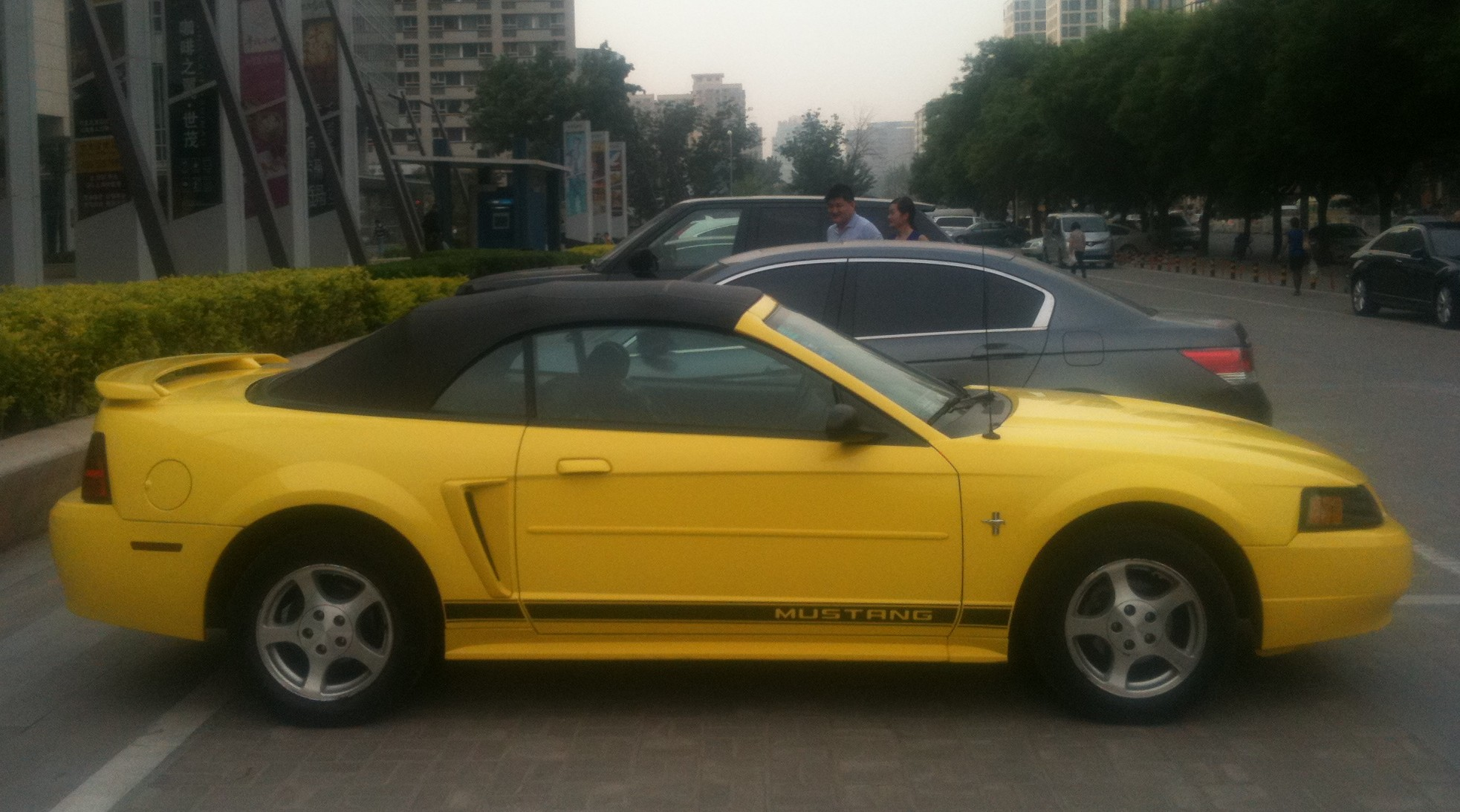Spotted in china ford mustang convertible is yellow in china