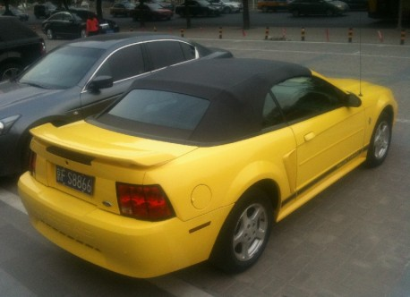 ford-mustang-yellow-china-4