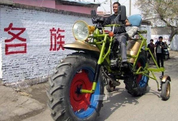 Chinese man makes giant Motorbike