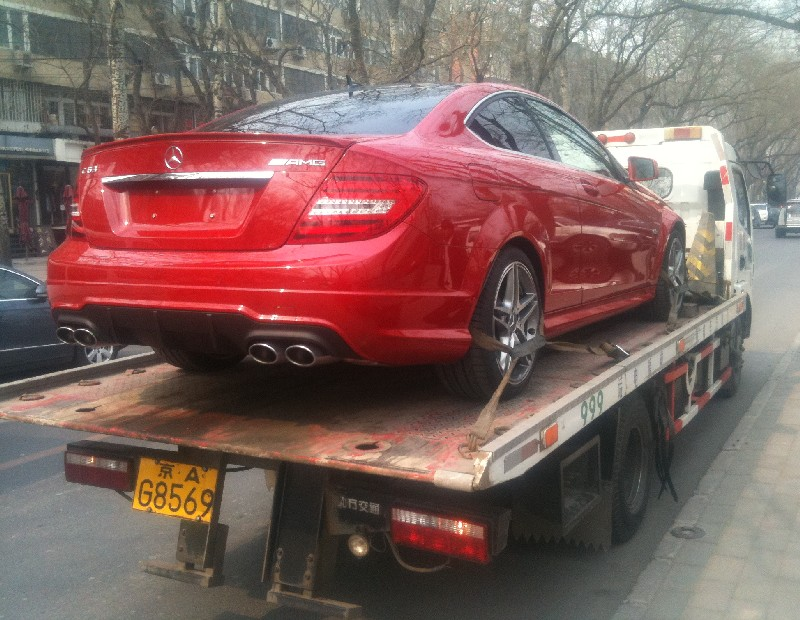 mercedes-c63-coupe-china-4