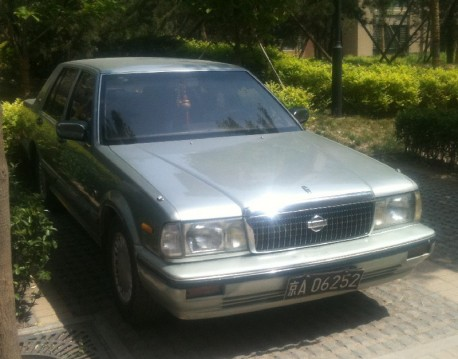 nissan-cedric-silver-china-2