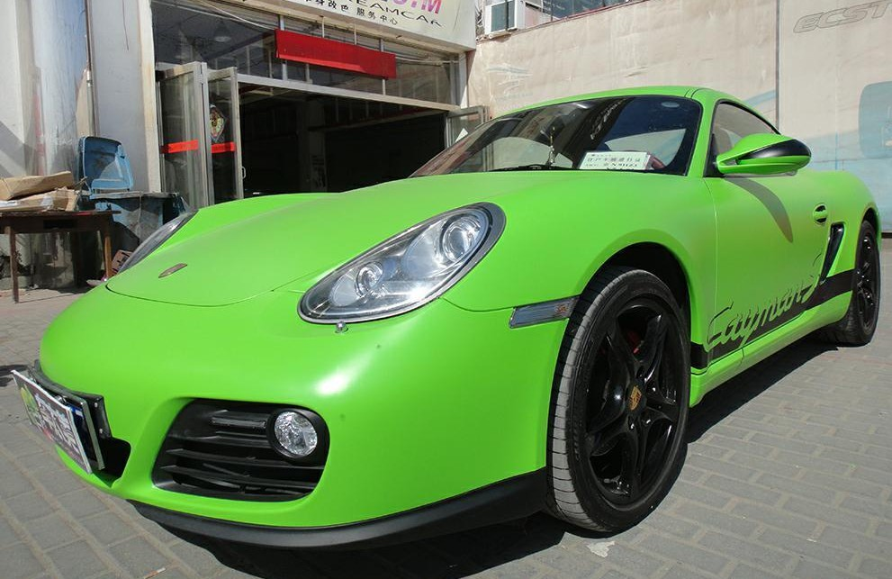 Porsche Cayman S is matte-lime green in China