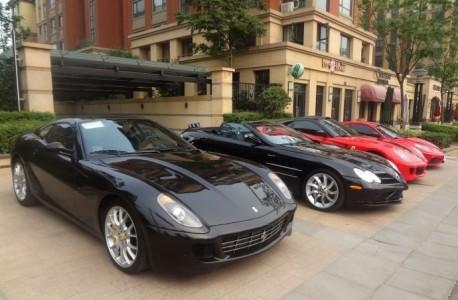 An impressive Supercar line-up in Zhengzhou, China