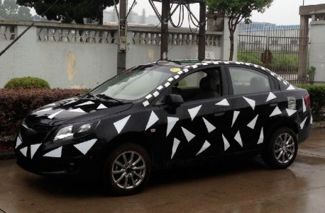 Spy Shots: facelifted Chevrolet Sail testing in China