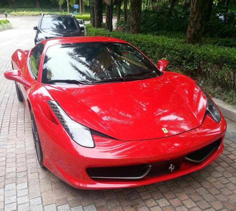 Red Ferrari: Red Ferrari 458 Italia Has A License In China