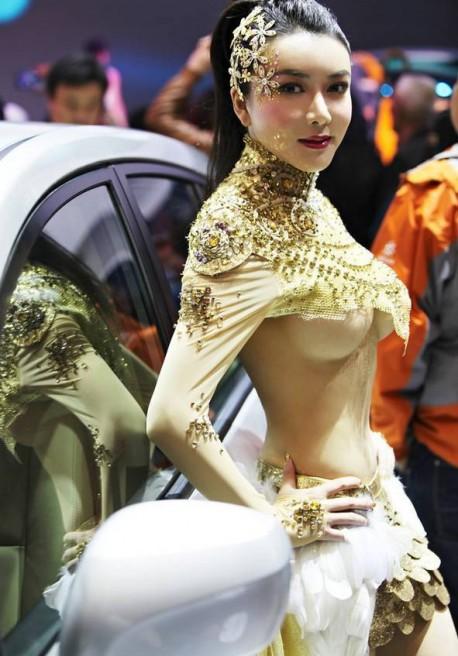 sexy-car-model-china-5