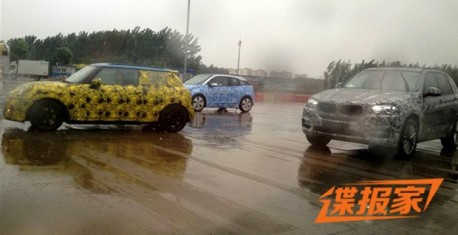 Spy Shots: new Mini & BMW i3 testing in the rain in China