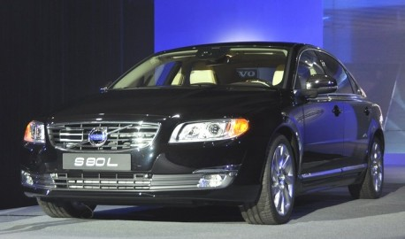 Facelifted Volvo S80L debuts in China