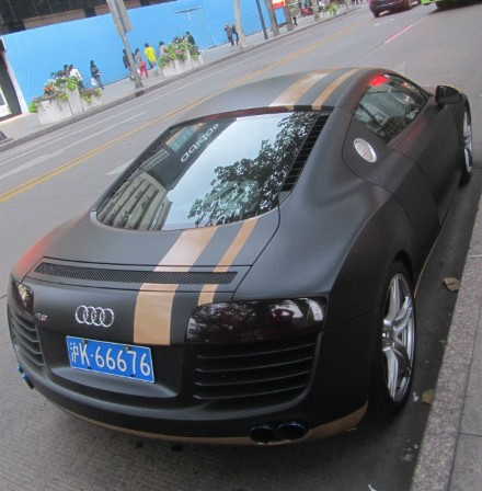 Audi R8 is matte black and a bit orange in China