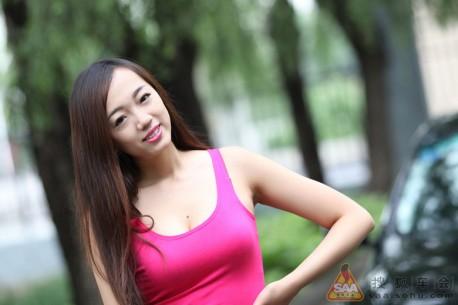 china-girl-pink-toyota-3
