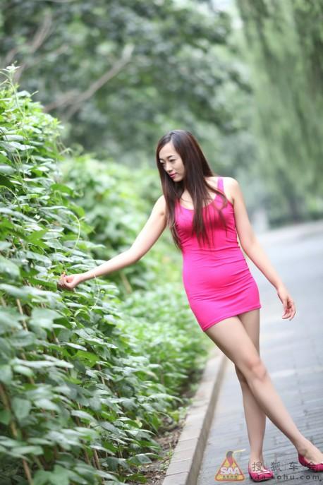 china-girl-pink-toyota-7