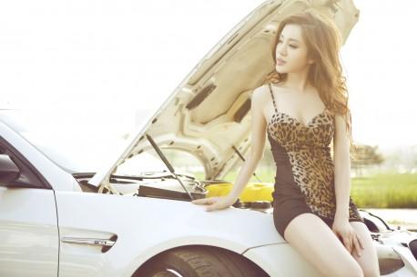 china-redhead-bmw-girl-3