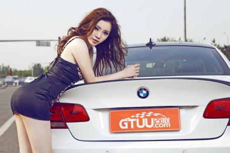 china-redhead-bmw-girl-4