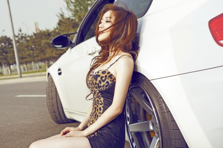 china-redhead-bmw-girl-5