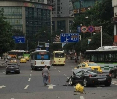 Ferrari 458 Italia Crashes Hard in China
