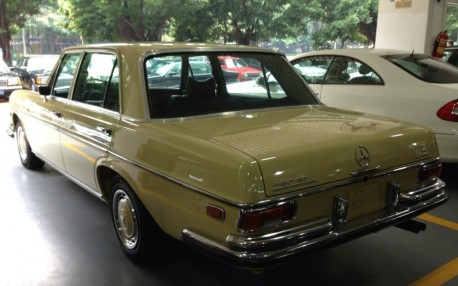 mercedes-benz-280-sel-china-2