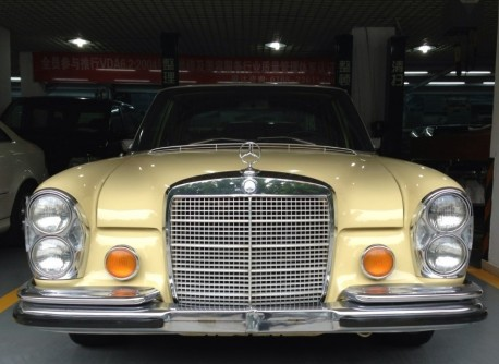 mercedes-benz-280-sel-china-3
