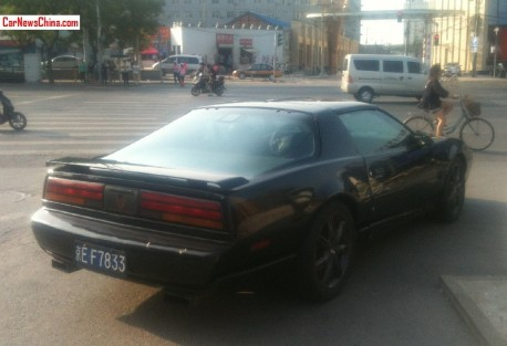 pontiac-firebird-china-2