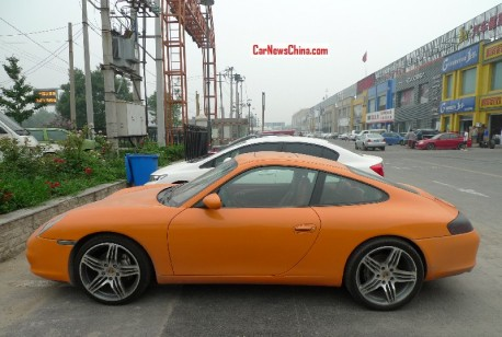 porsche-orange-china-2