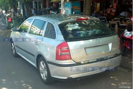 Spy Shots: Skoda Rapid hatchback testing in China