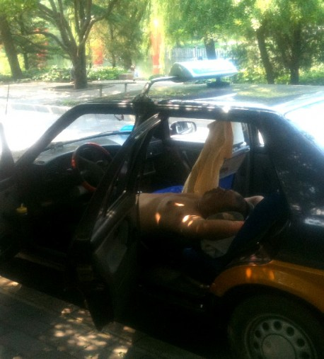 Taxi driver takes it Easy in China