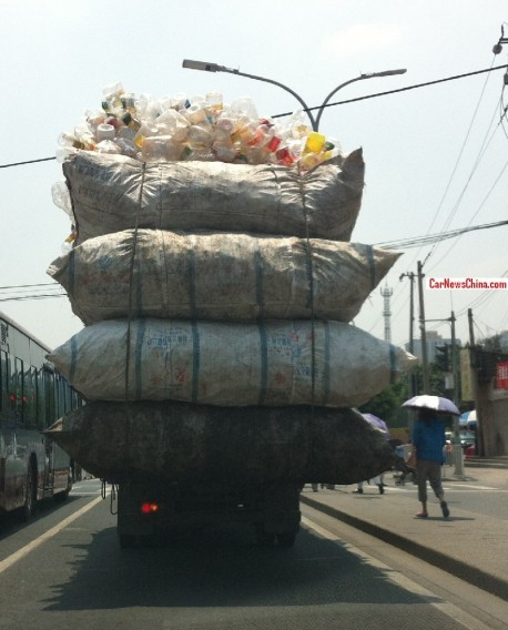 Transporting recyclable materials on a Truck in China
