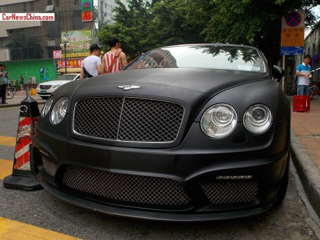 Bentley Continental GT is matte black in China
