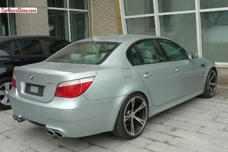 bmw-m5-silver-green-china-3