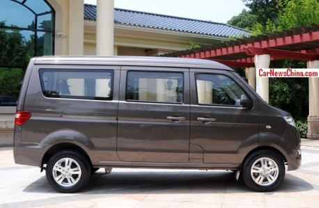 brilliance-x30-minivan-china-2