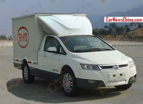 Spy Shots: BYD T3 electric transport van