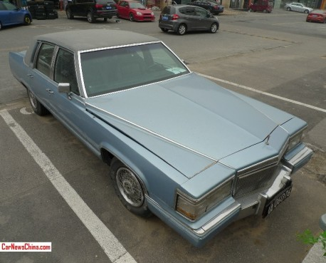 Spotted in China: slightly pimped Cadillac Fleetwood Brougham