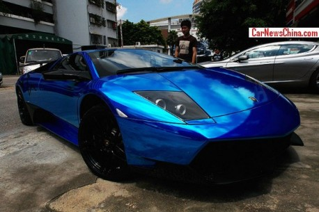 Lamborghini Murcielago SV is shiny blue in China