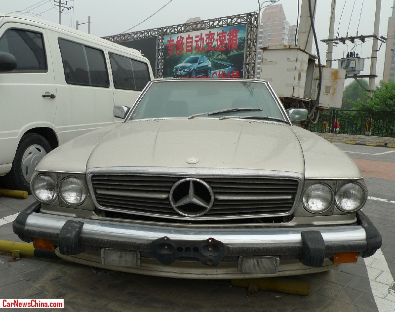 Spotted in china r107 mercedes benz 560 sl for Mercedes benz china