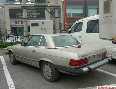 mercedes-benz-560-sl-china-7