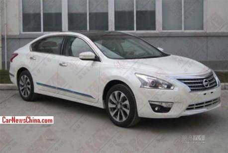 Spy Shots: long-wheelbase version of the Nissan Teana for the China car market