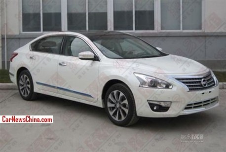 Spy Shots: long-wheelbase version of the Nissan Teana for the China car market