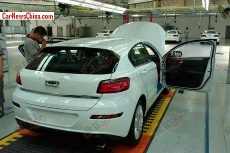 qoros-3-hatchback-china-4