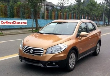 Spy Shots: Suzuki SX4 S-Cross testing in China