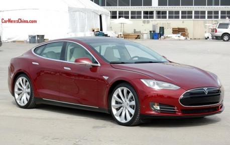 """Tesla Model S will have an """"executive back seat"""" in China"""