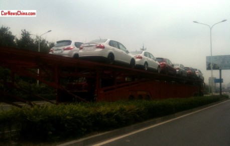 Transporting Venucia vehicles the Chinese Way