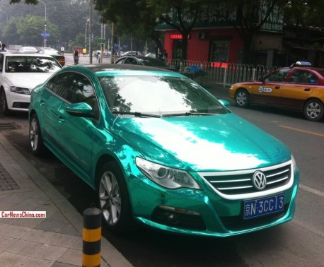 Volkswagen Passat CC is shiny mint green in China