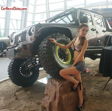 china-girl-jeep-china-1