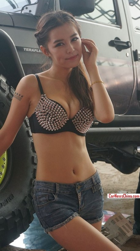 china-girl-jeep-china-3