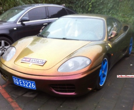 Ferrari 360 is gold & red gold in China