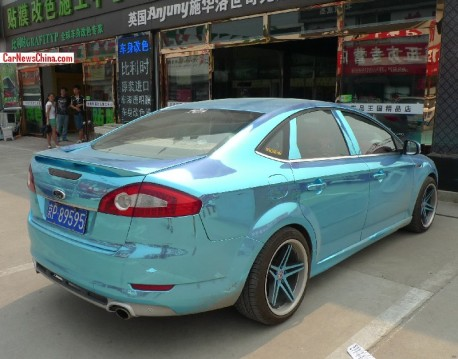 ford-mondeo-shiny-blue-3