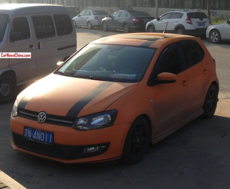 Volkswagen Polo is matte orange in China
