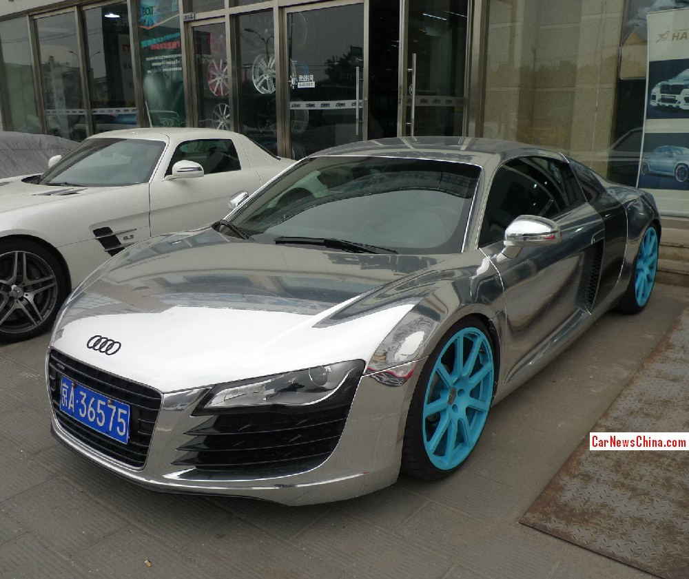 Audi R8: Bling! Audi R8 Is Shiny Silver In China
