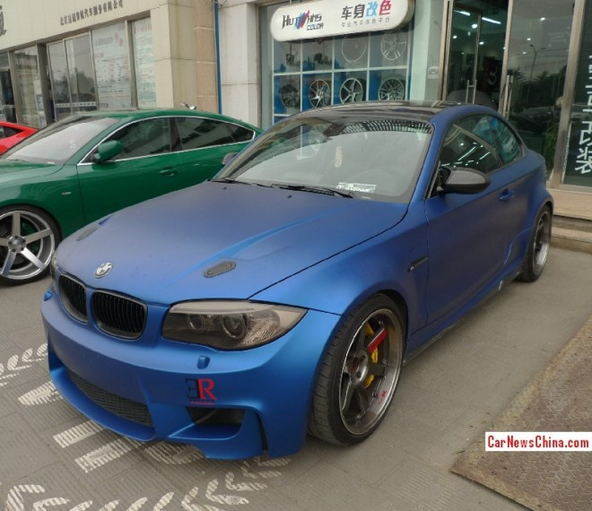 BMW 1M is matte blue in China