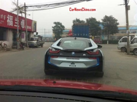 Spy Shots: BMW i8 testing & charging in China